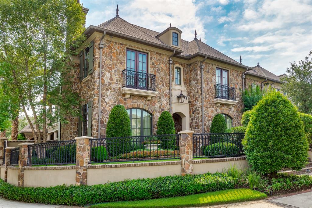 2718 Timberloch Place Property Photo - The Woodlands, TX real estate listing