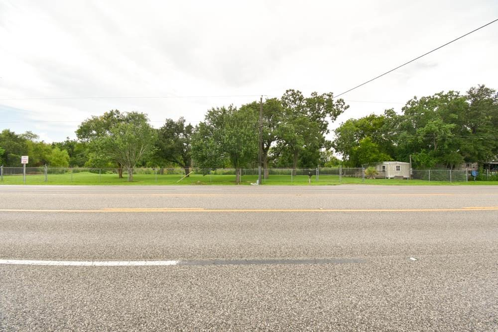 10109 Highway 6 Property Photo