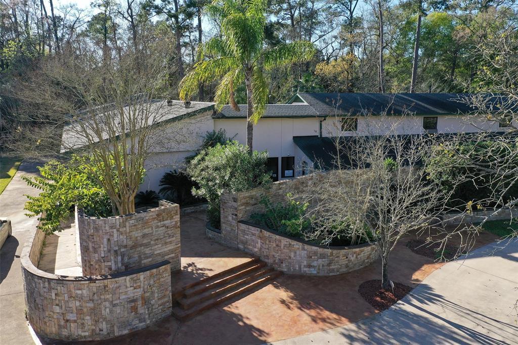 26215 Oak Ridge Drive Property Photo