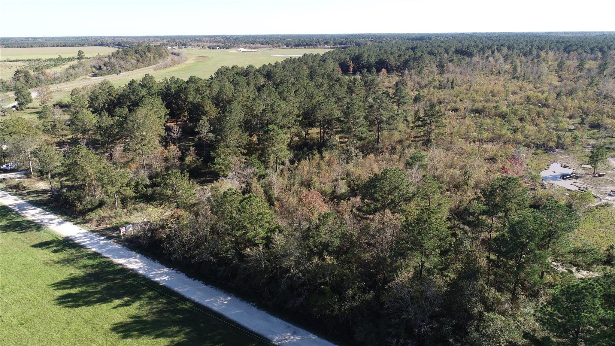0 Old Batson Saratoga Road Property Photo - Sour Lake, TX real estate listing