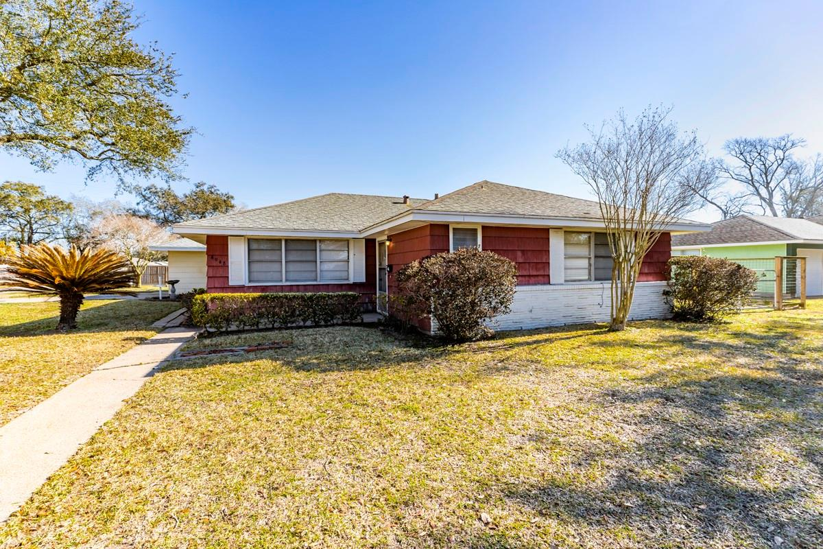 4948 Kent Avenue Property Photo - Groves, TX real estate listing