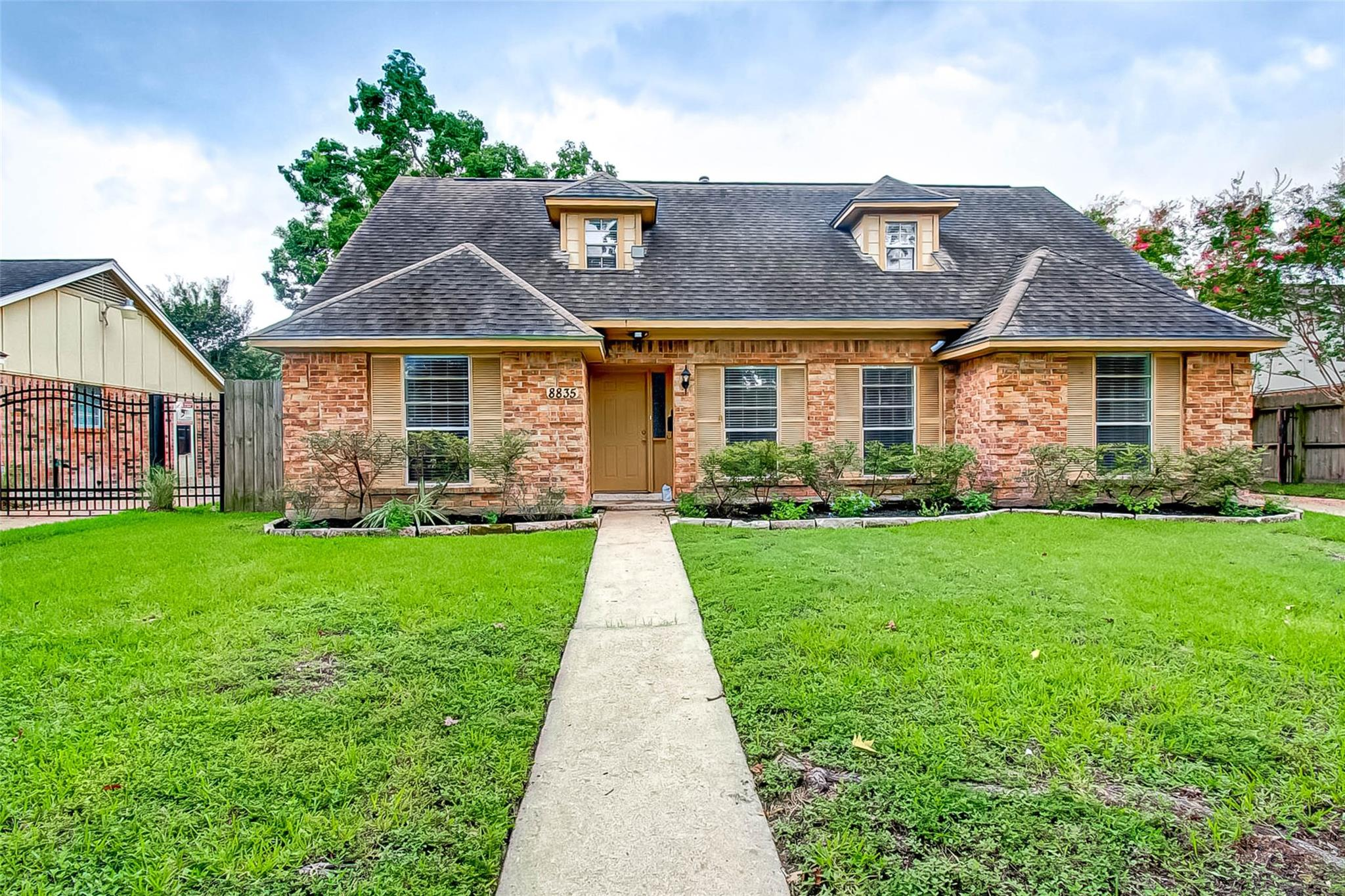 8835 Roos Road Property Photo - Houston, TX real estate listing