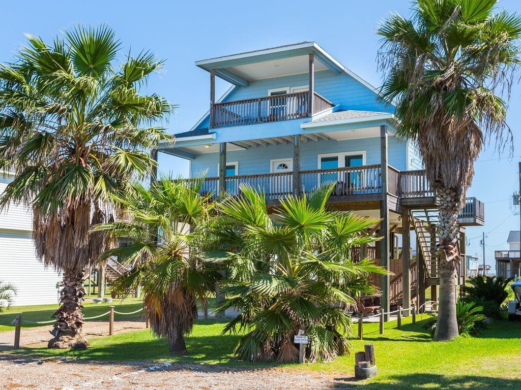 12930 Buccaneer Parkway Property Photo - Freeport, TX real estate listing