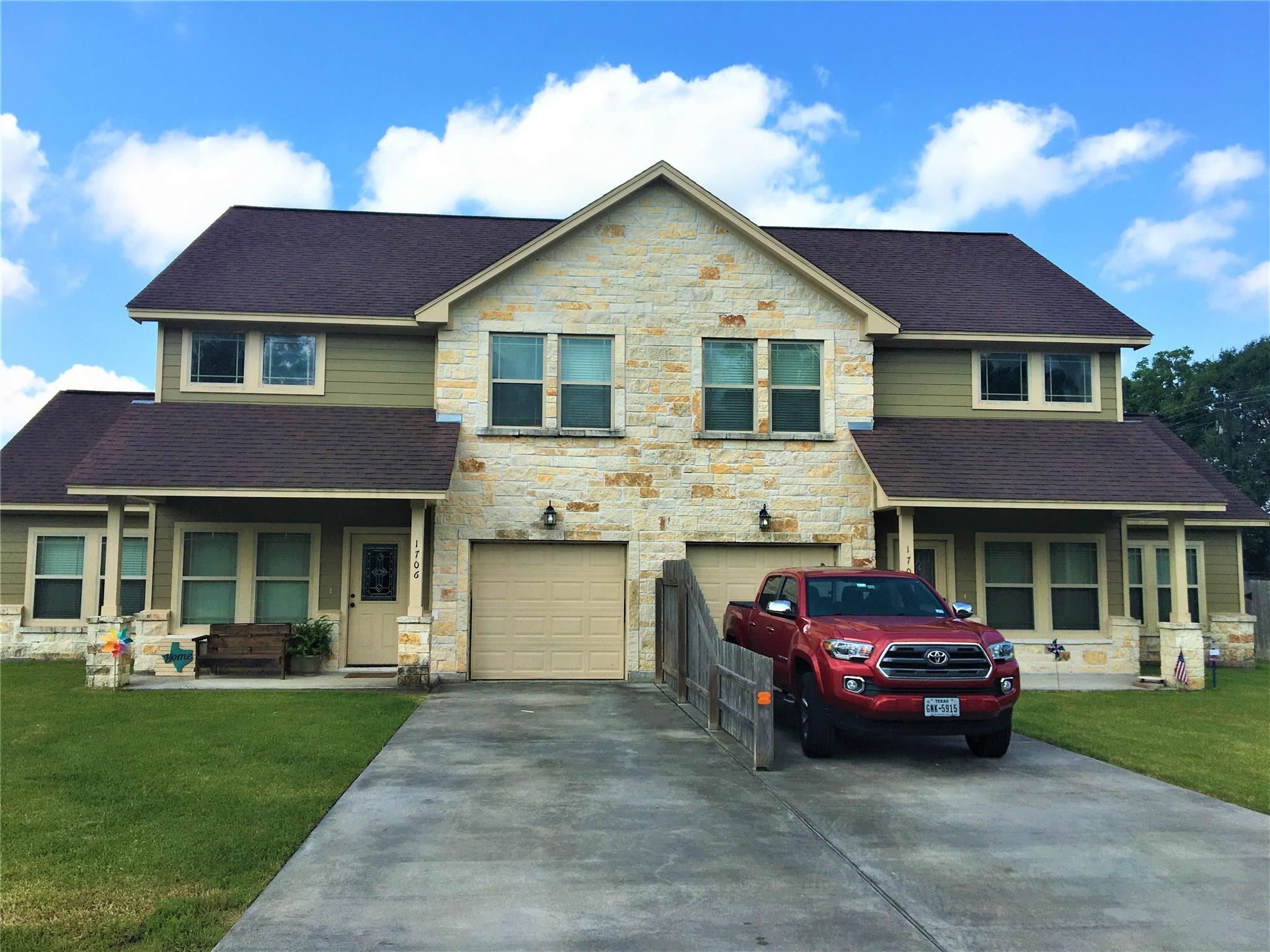 1702 Avenue G Property Photo - Danbury, TX real estate listing