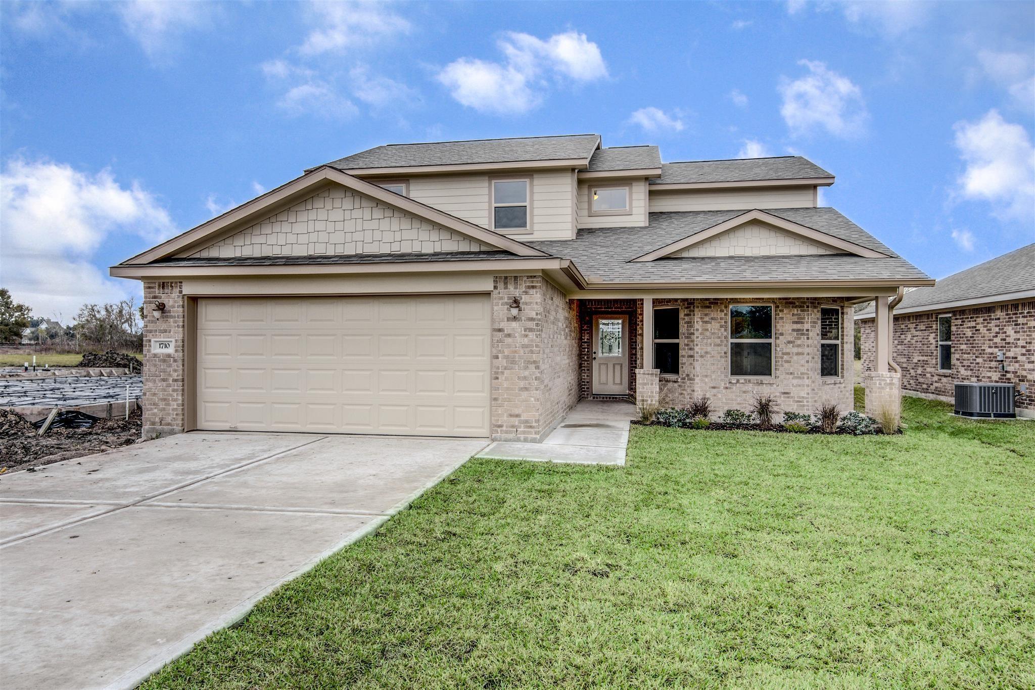 1710 Avenue J Property Photo - Danbury, TX real estate listing