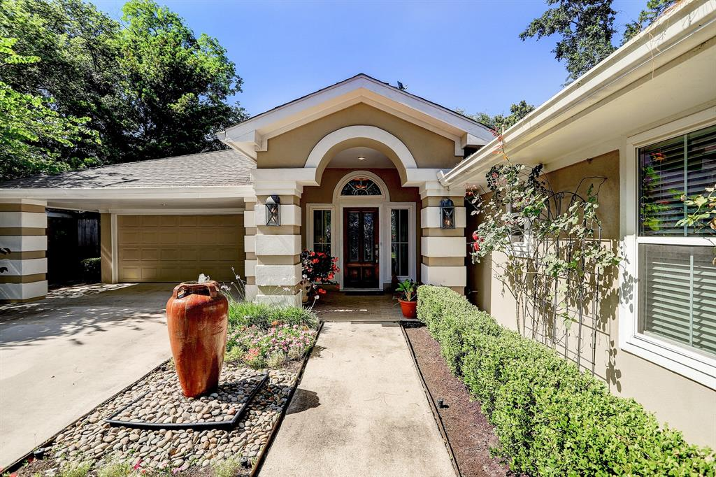 8830 Croes Drive Property Photo - Spring Valley Village, TX real estate listing