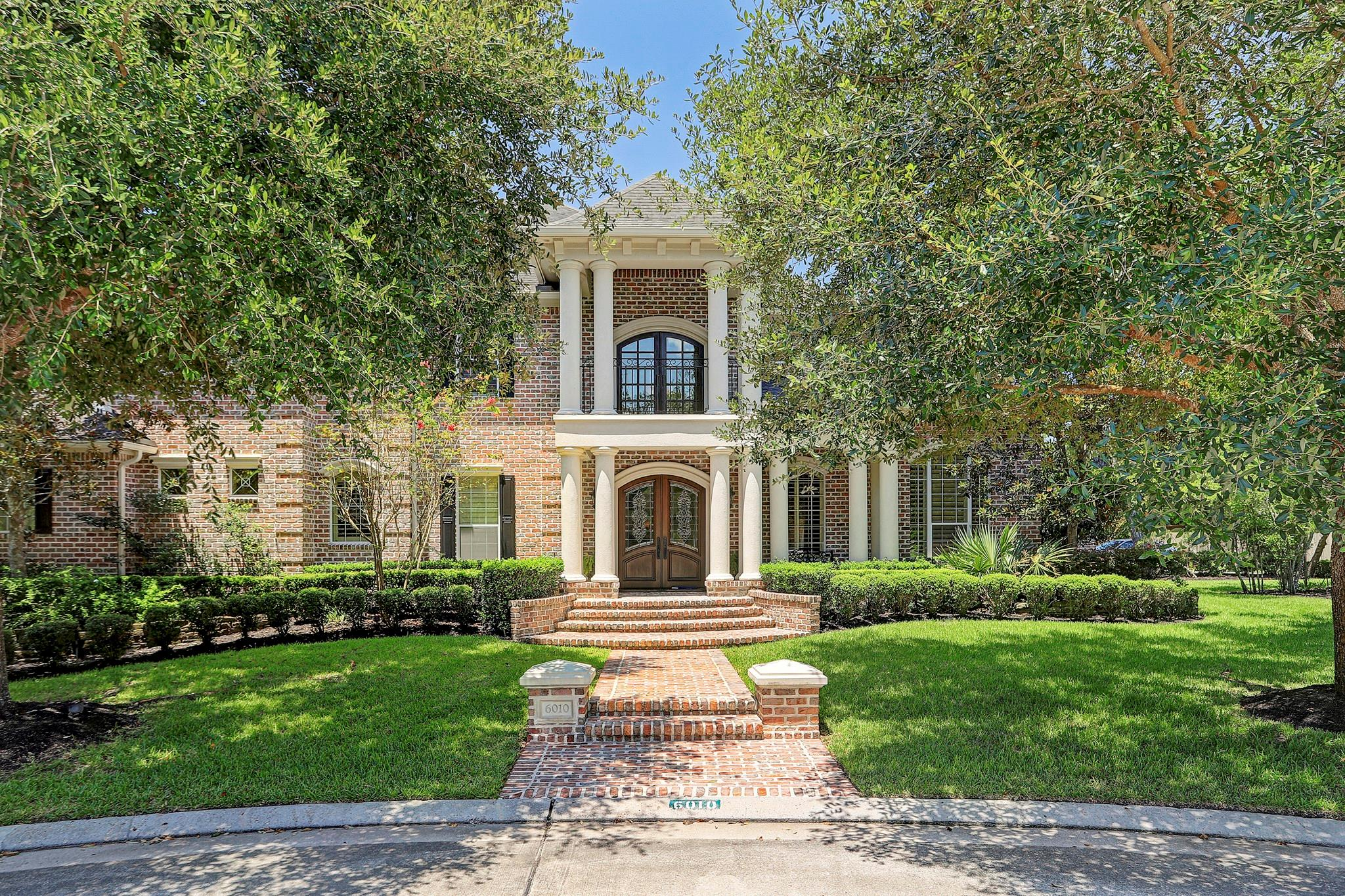 6010 Graystone Bluffs Court Property Photo - Kingwood, TX real estate listing