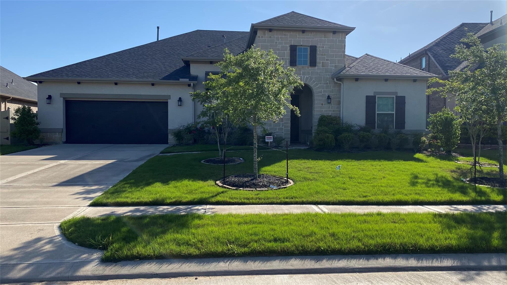 339 Round Lake Drive Property Photo 1
