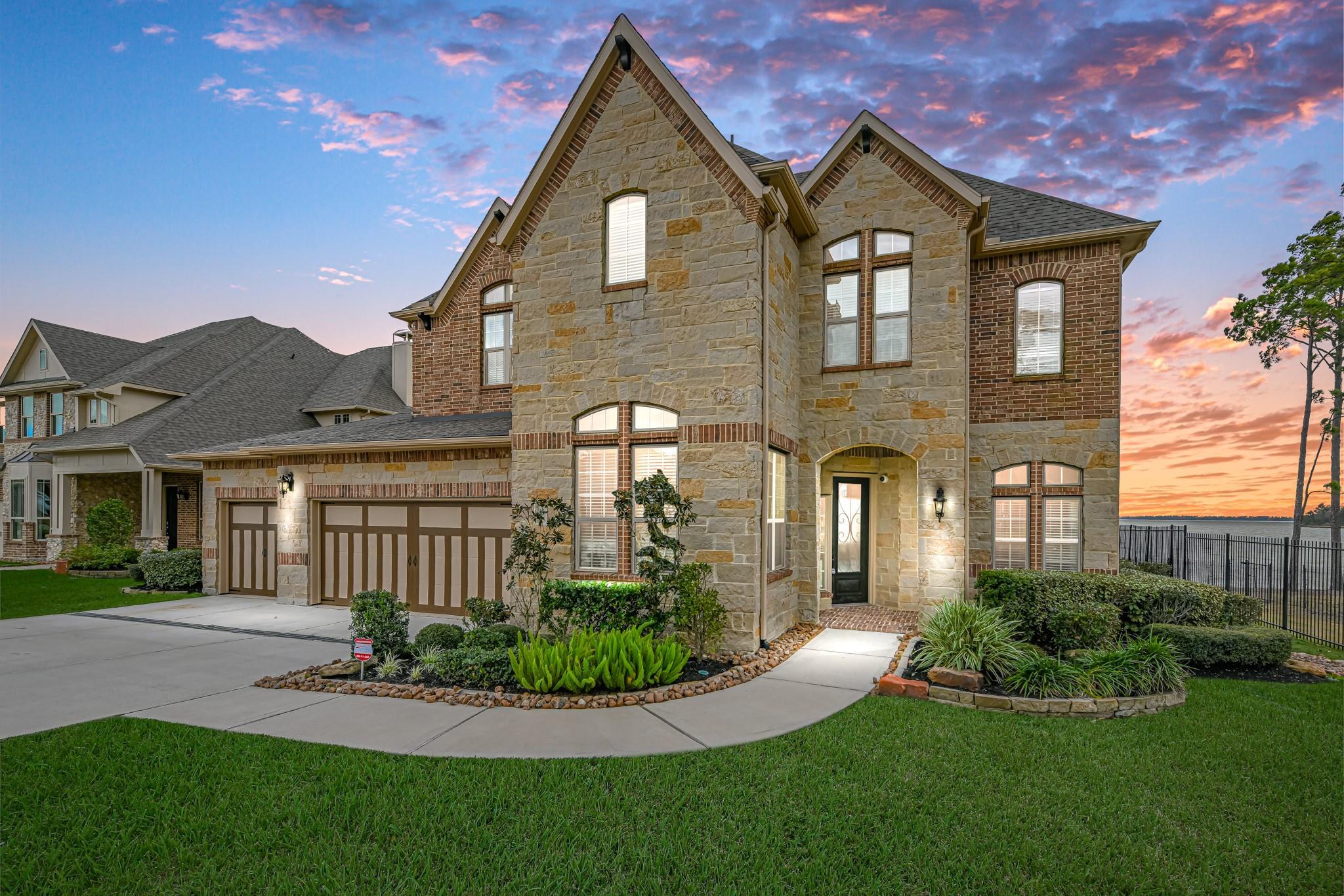 8402 San Juanico Street Property Photo - Houston, TX real estate listing