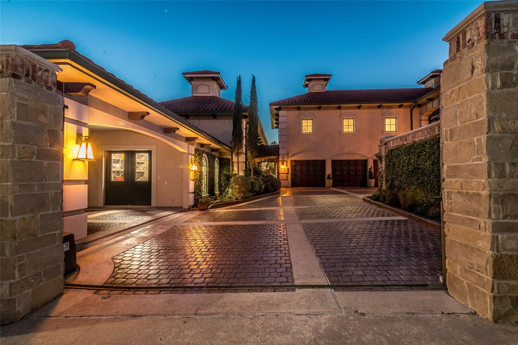60 Harbor Lane Property Photo - Kemah, TX real estate listing