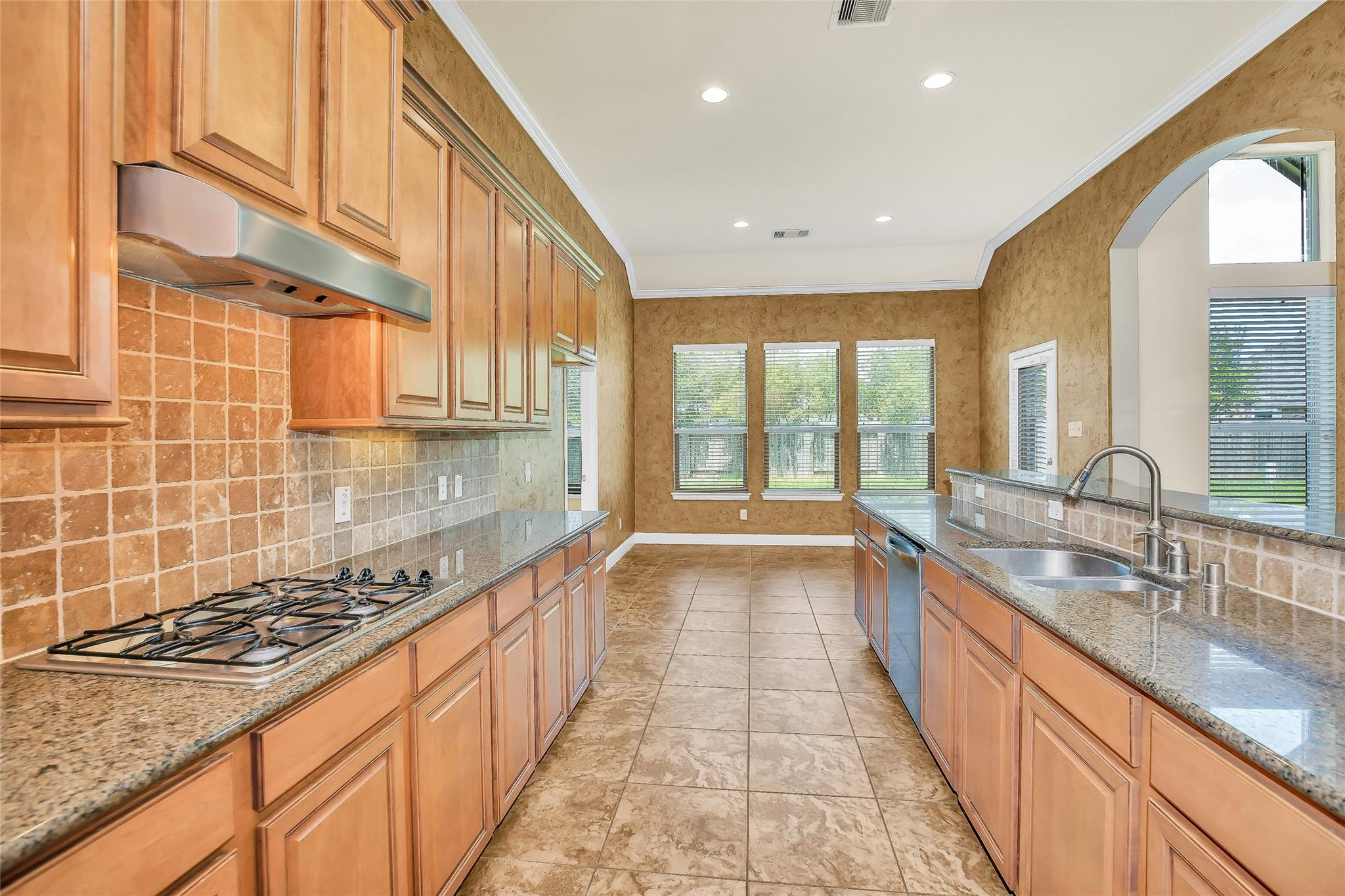 12607 Arnette Park Ln Property Photo - Humble, TX real estate listing