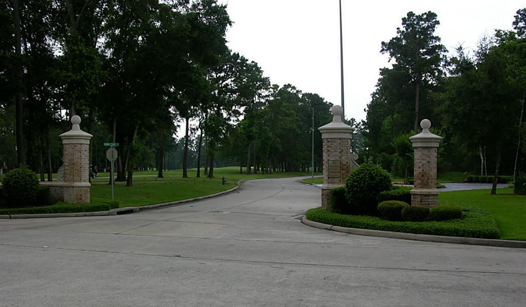 5 Fairway Estates Drive Property Photo - Houston, TX real estate listing