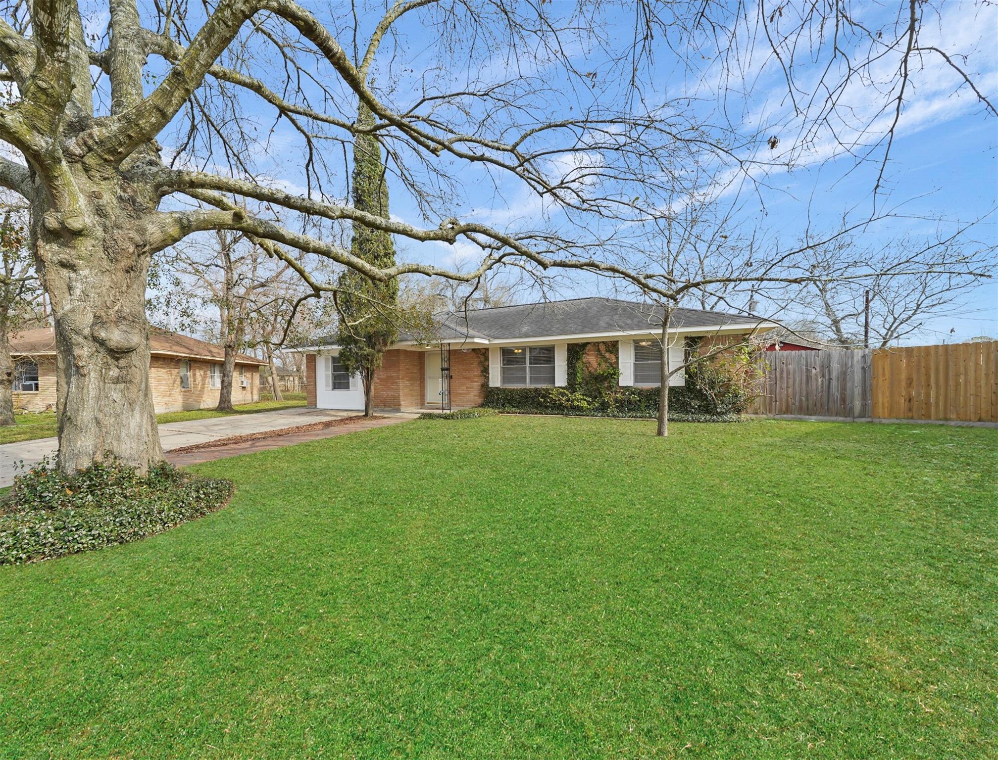 205 Weldon Street Property Photo