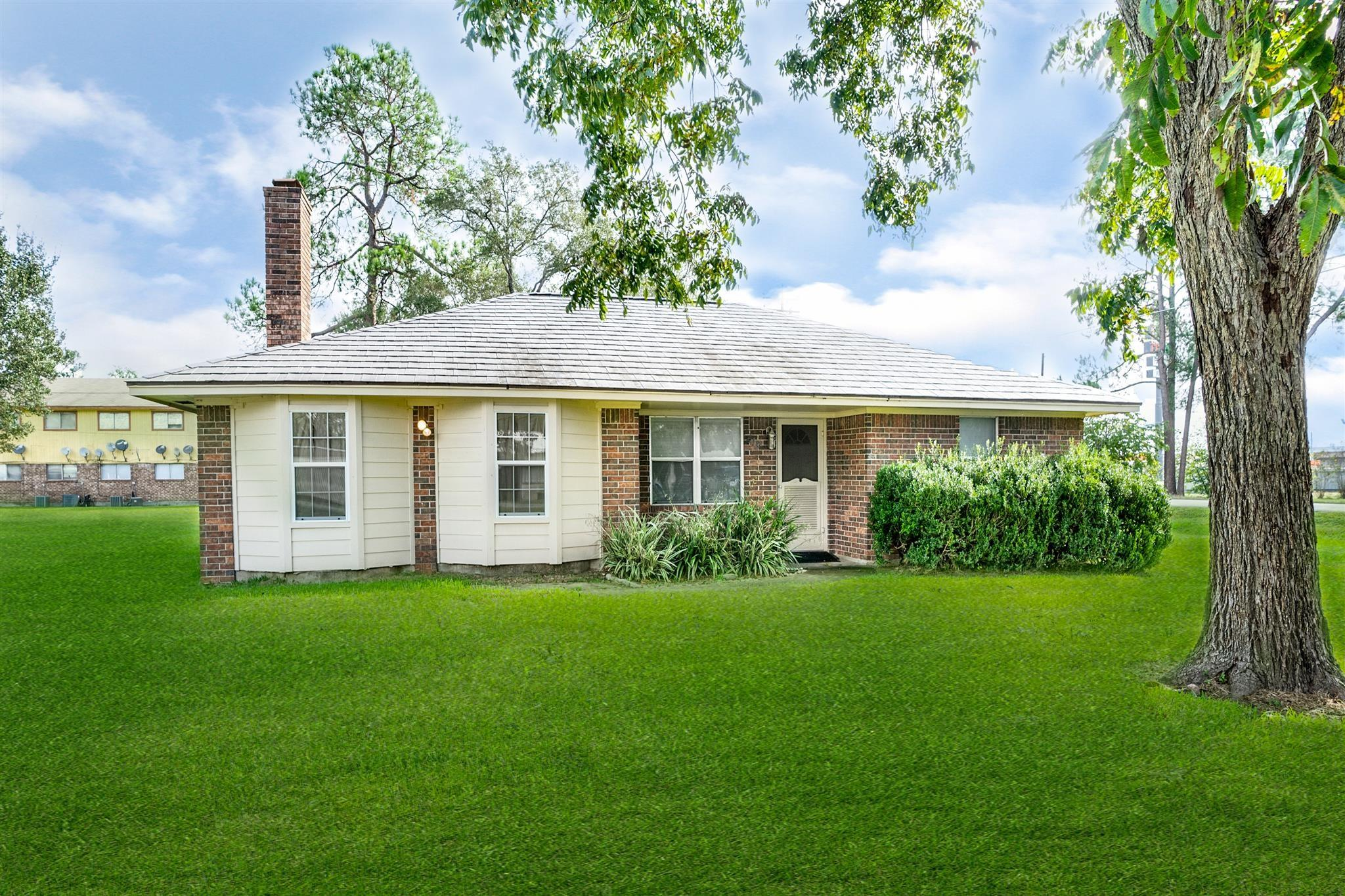 419 S 2nd Street Property Photo - Beasley, TX real estate listing