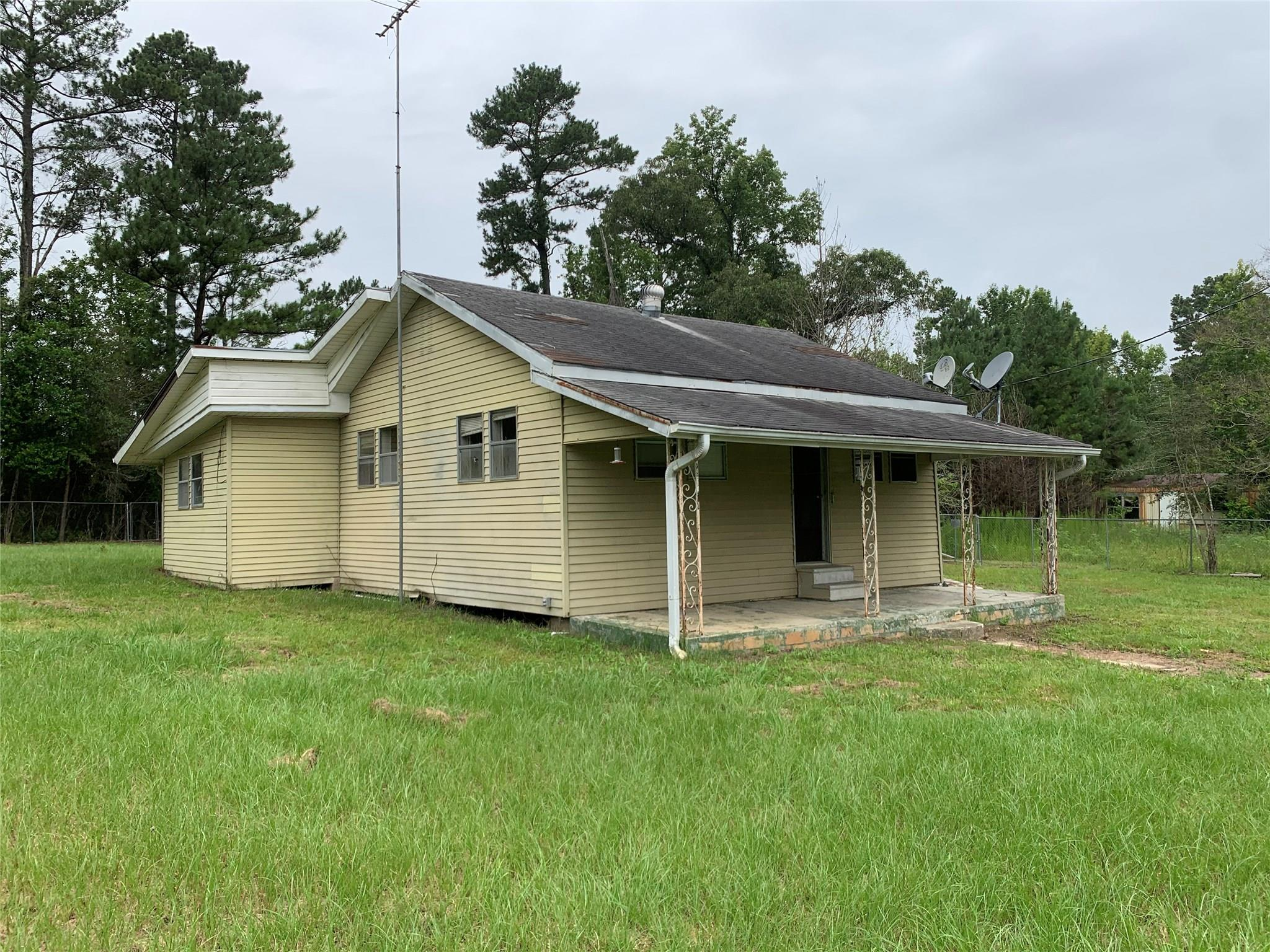 15524 Fm 92 Road S Property Photo - Spurger, TX real estate listing