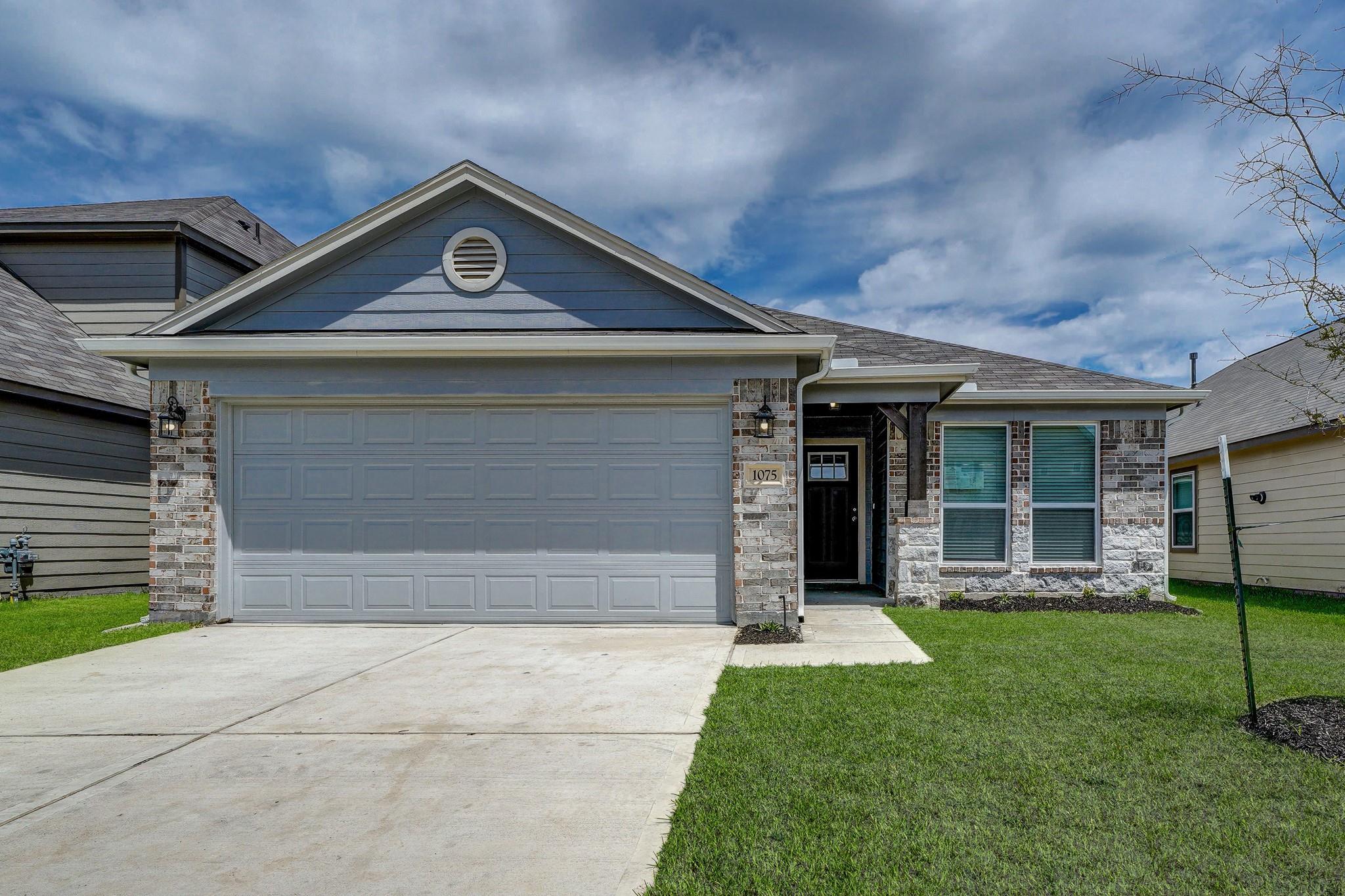 1075 Ranch Oak Drive Property Photo