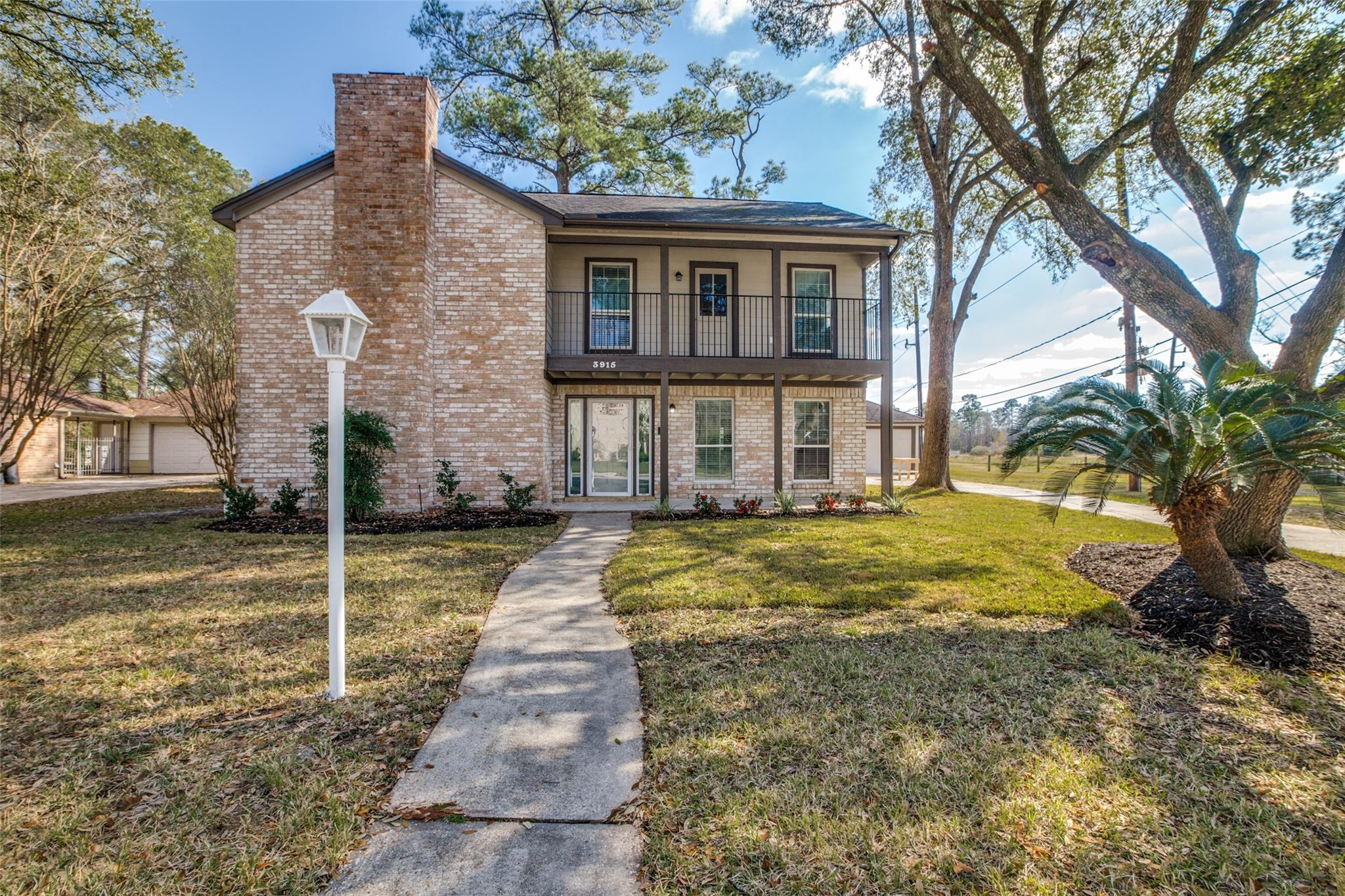3915 Brightwood Drive Property Photo - Houston, TX real estate listing