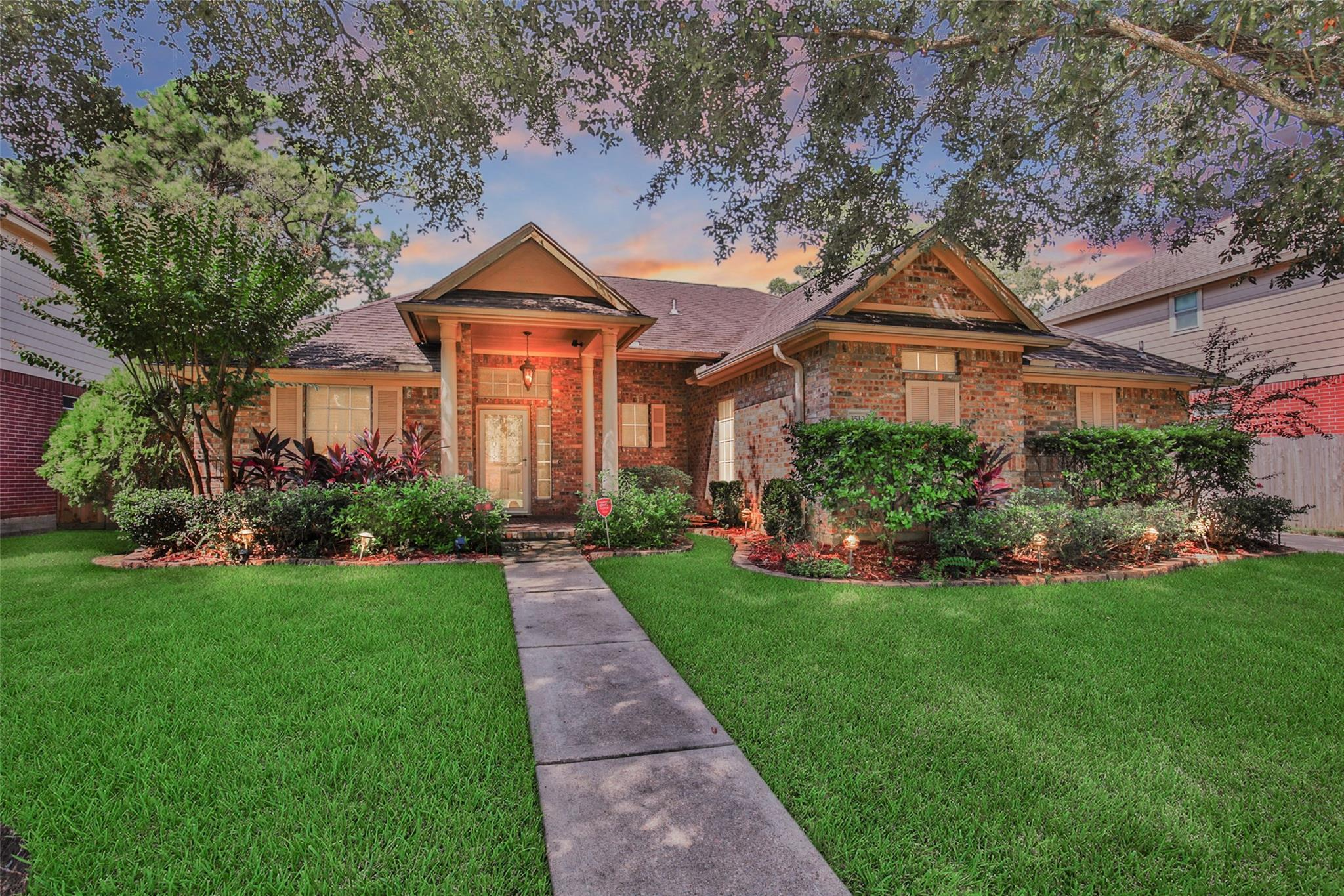 3512 Bayou Forest Drive Property Photo - Shoreacres, TX real estate listing