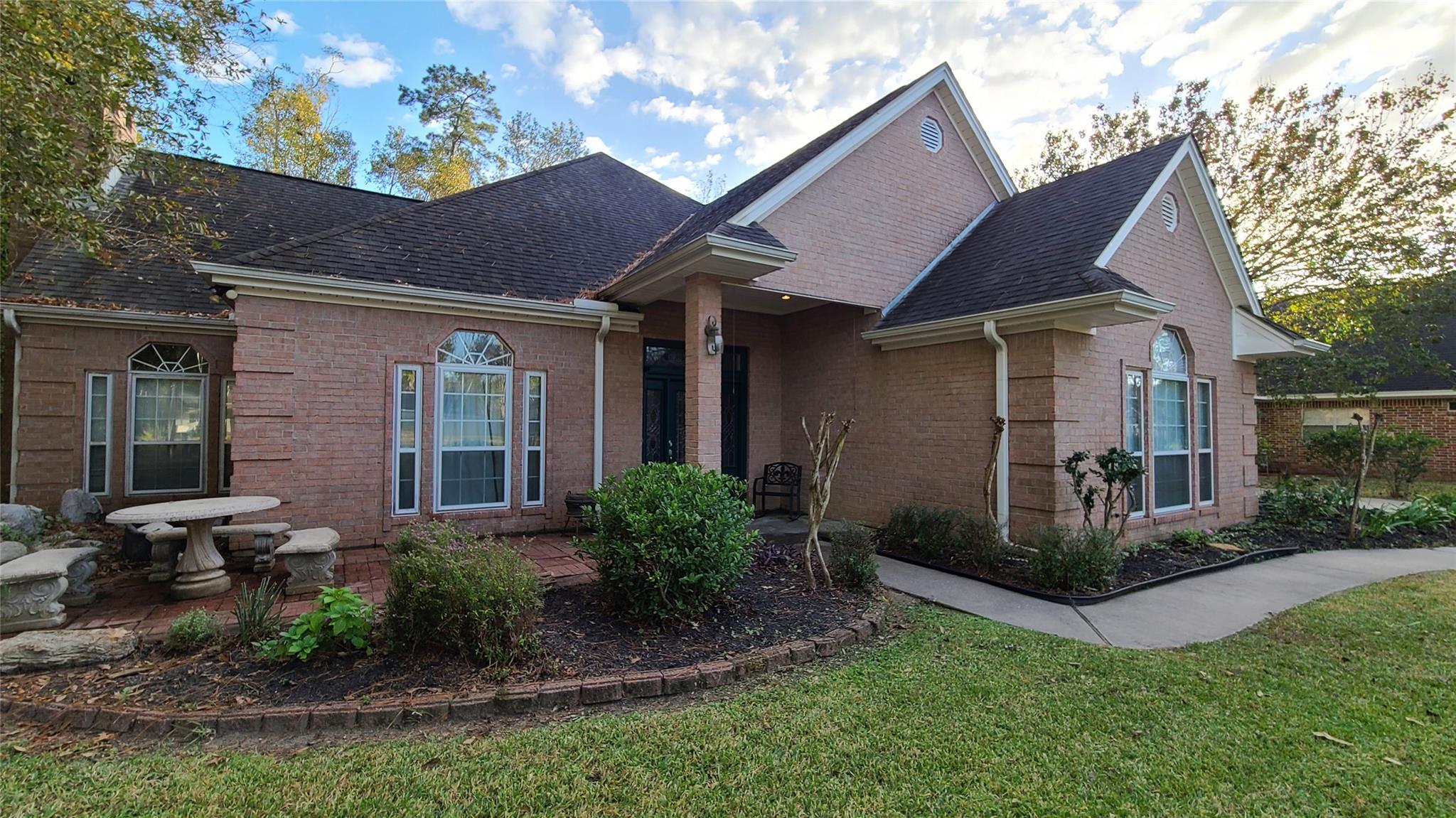 106 Beechwood Drive Property Photo - Lumberton, TX real estate listing