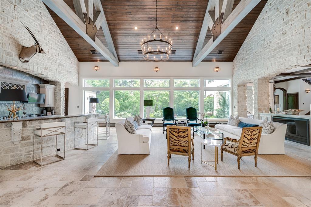 6015 Glen Cove Street Property Photo