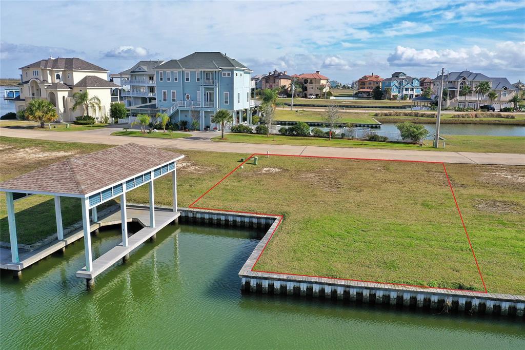 6 Largo Property Photo