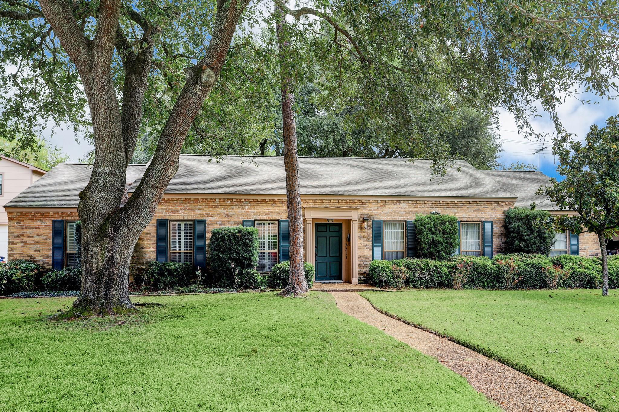 2213 N Memorial Court Property Photo - Pasadena, TX real estate listing