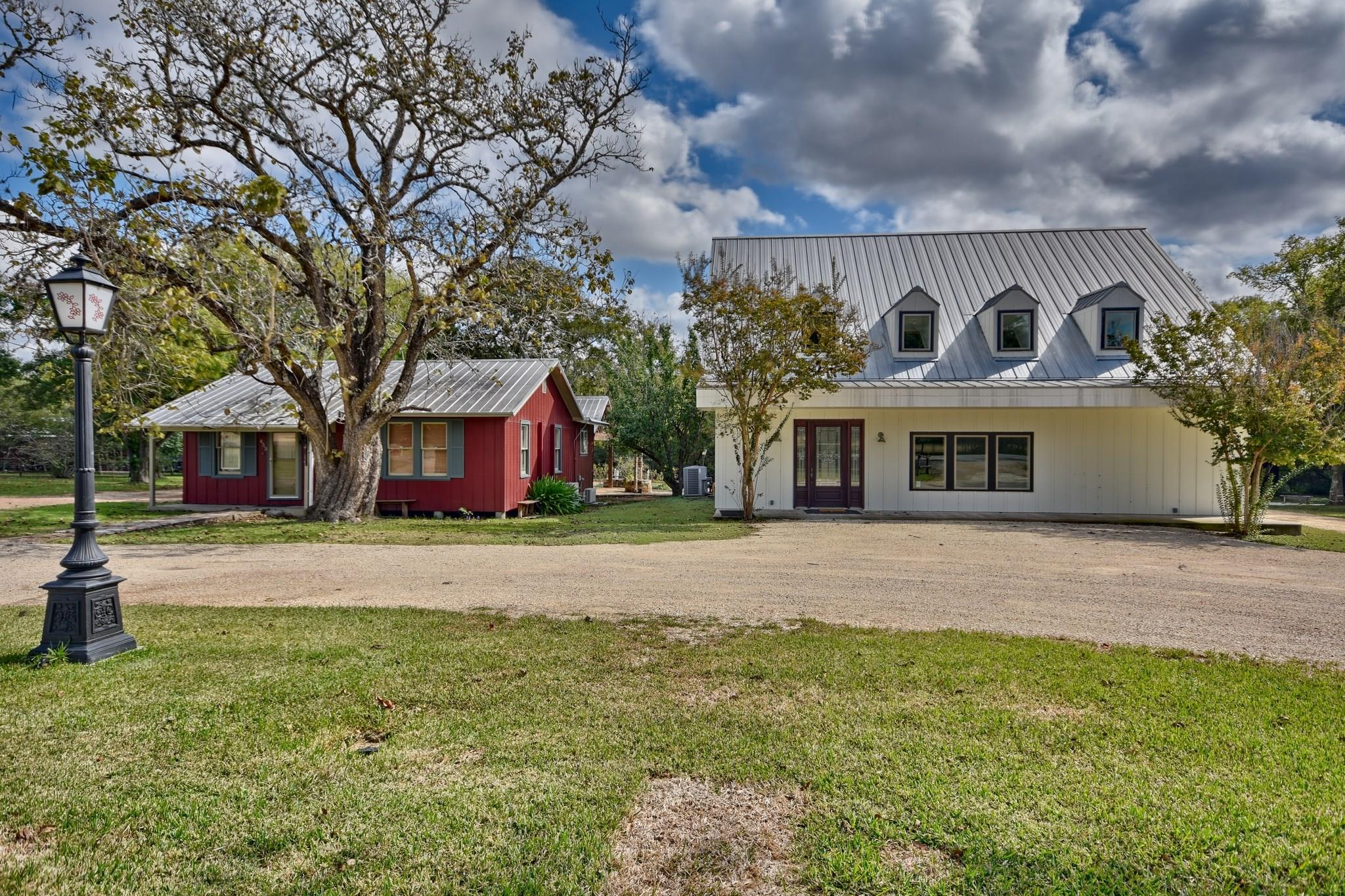 453 N Washington Street Property Photo - Round Top, TX real estate listing