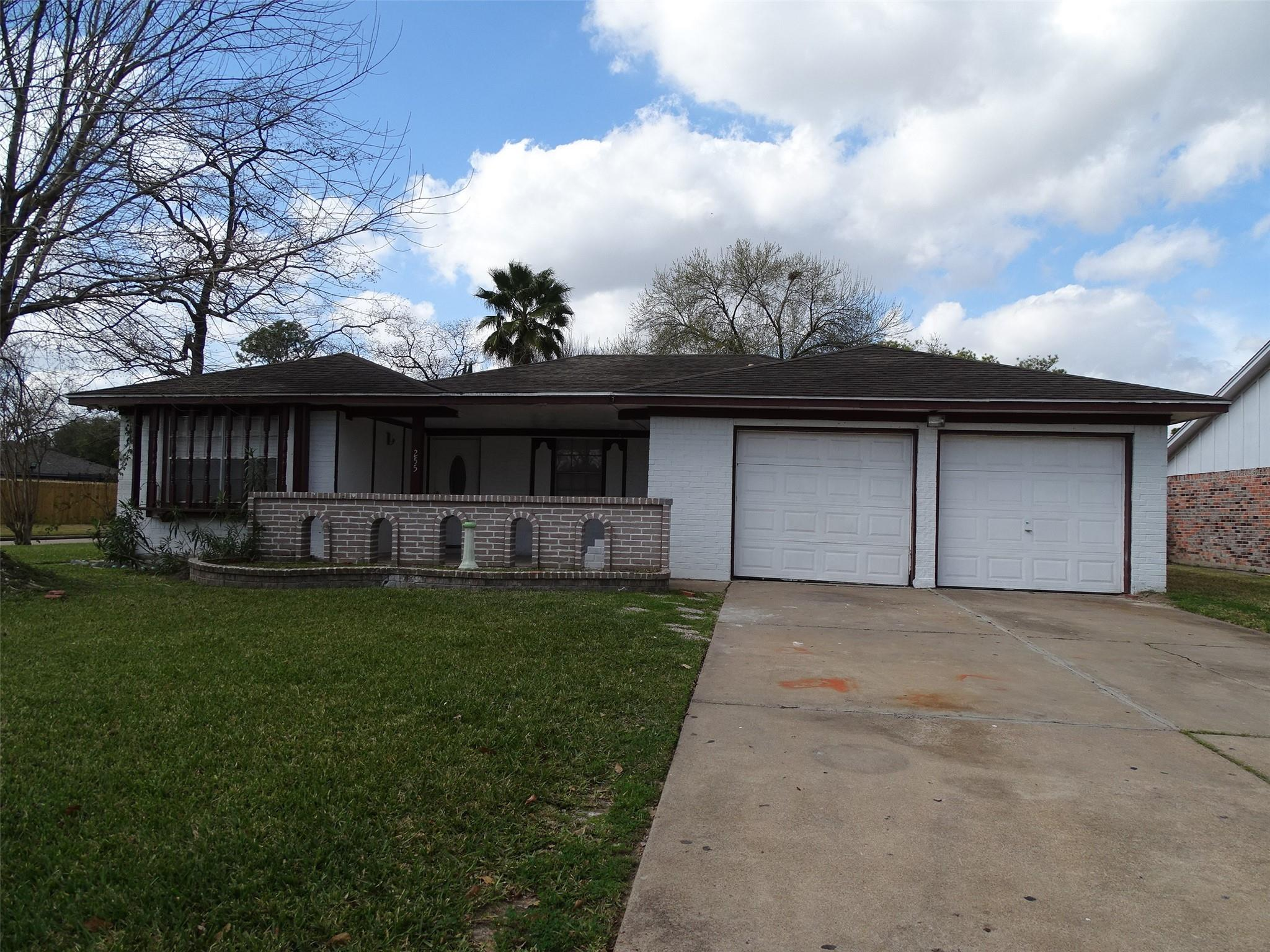 255 County Fair Drive Property Photo
