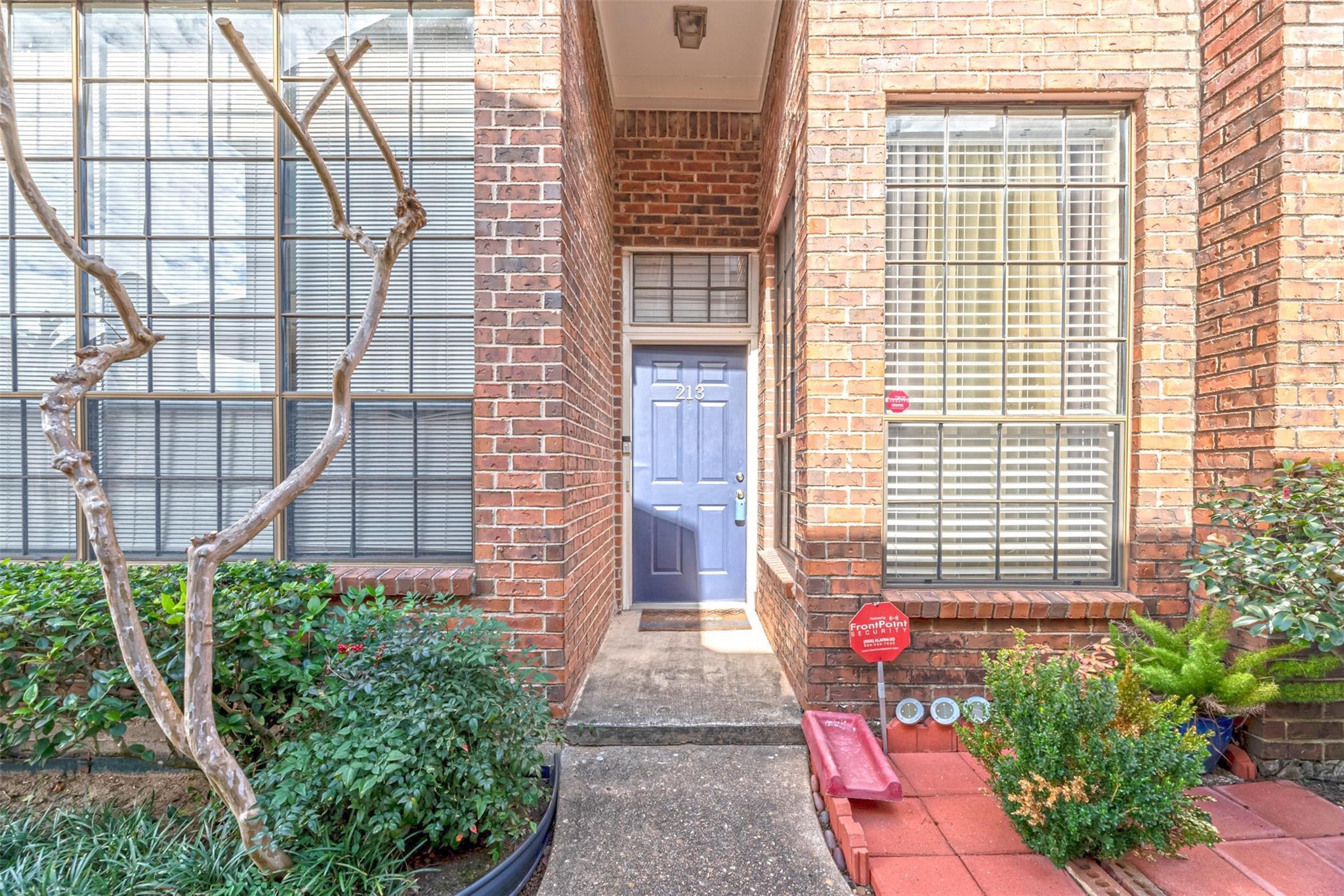 8888 Benning Drive #213 Property Photo - Houston, TX real estate listing