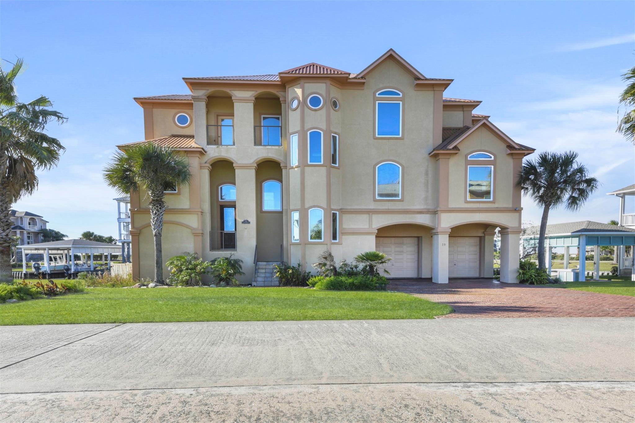 19 Half Moon Property Photo - Hitchcock, TX real estate listing