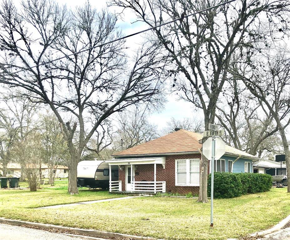 700 E 5th Street, Hallettsville, TX 77964 - Hallettsville, TX real estate listing