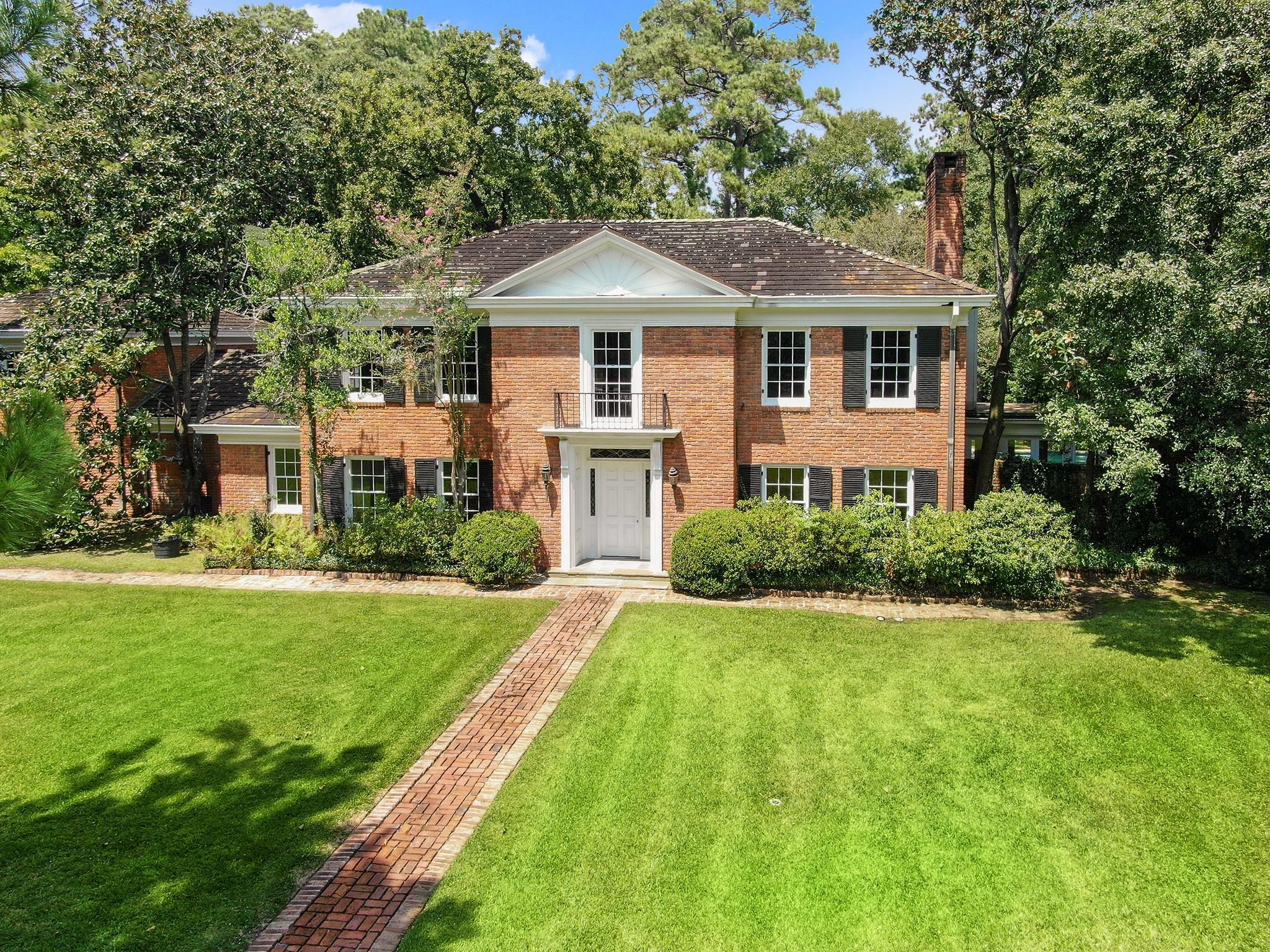 3702 Knollwood Street Property Photo