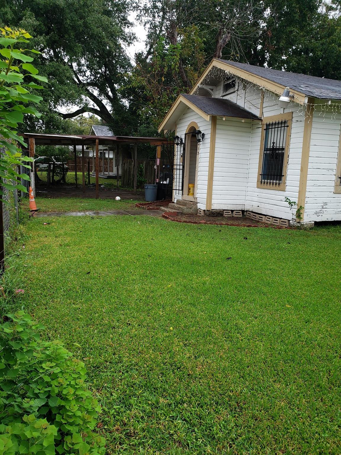413 W Humble Street Property Photo