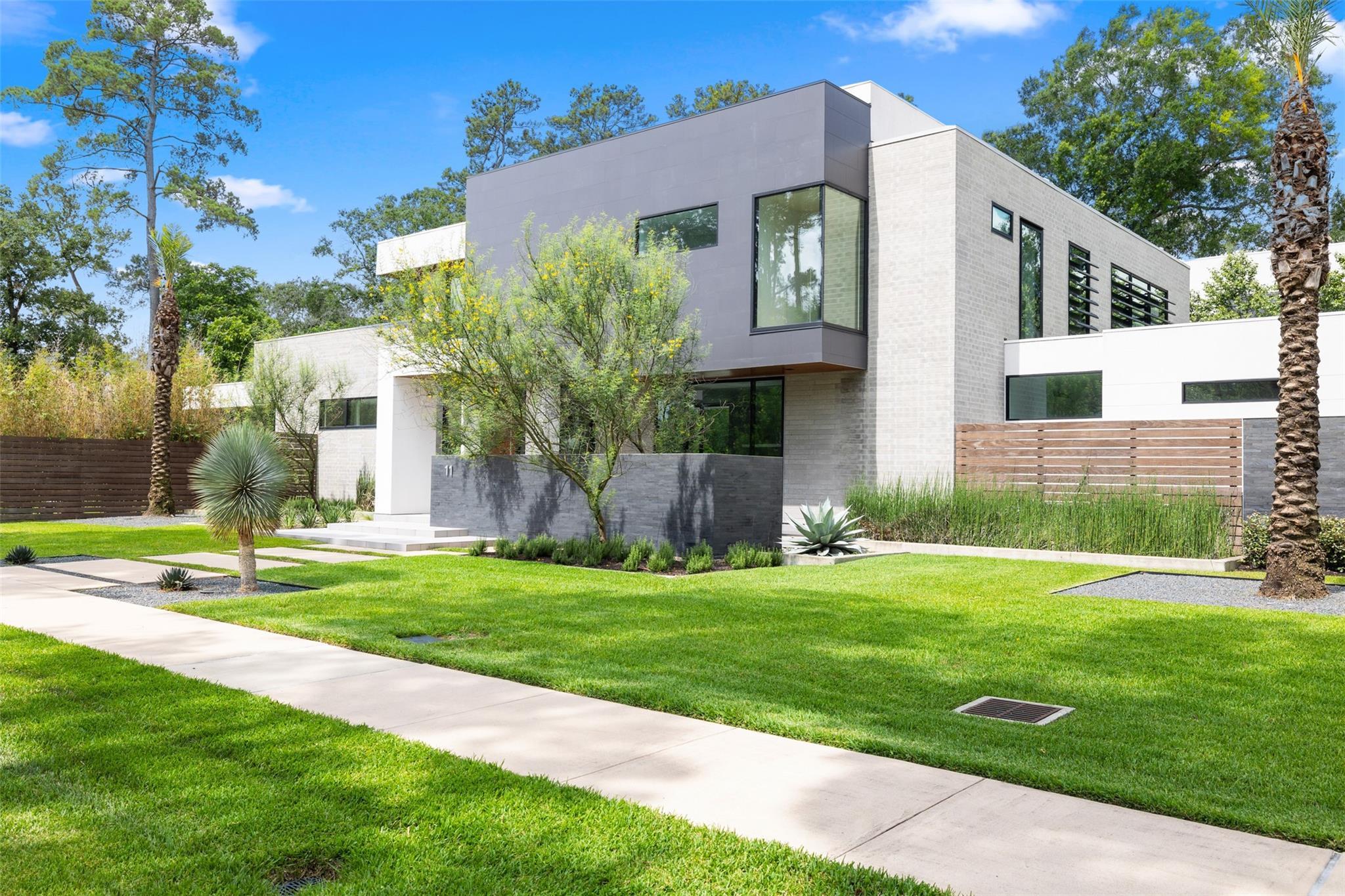 11 Gage Court Property Photo - Houston, TX real estate listing