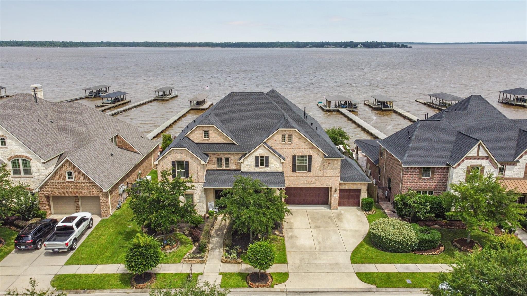 16226 Pelican Beach Lane Property Photo