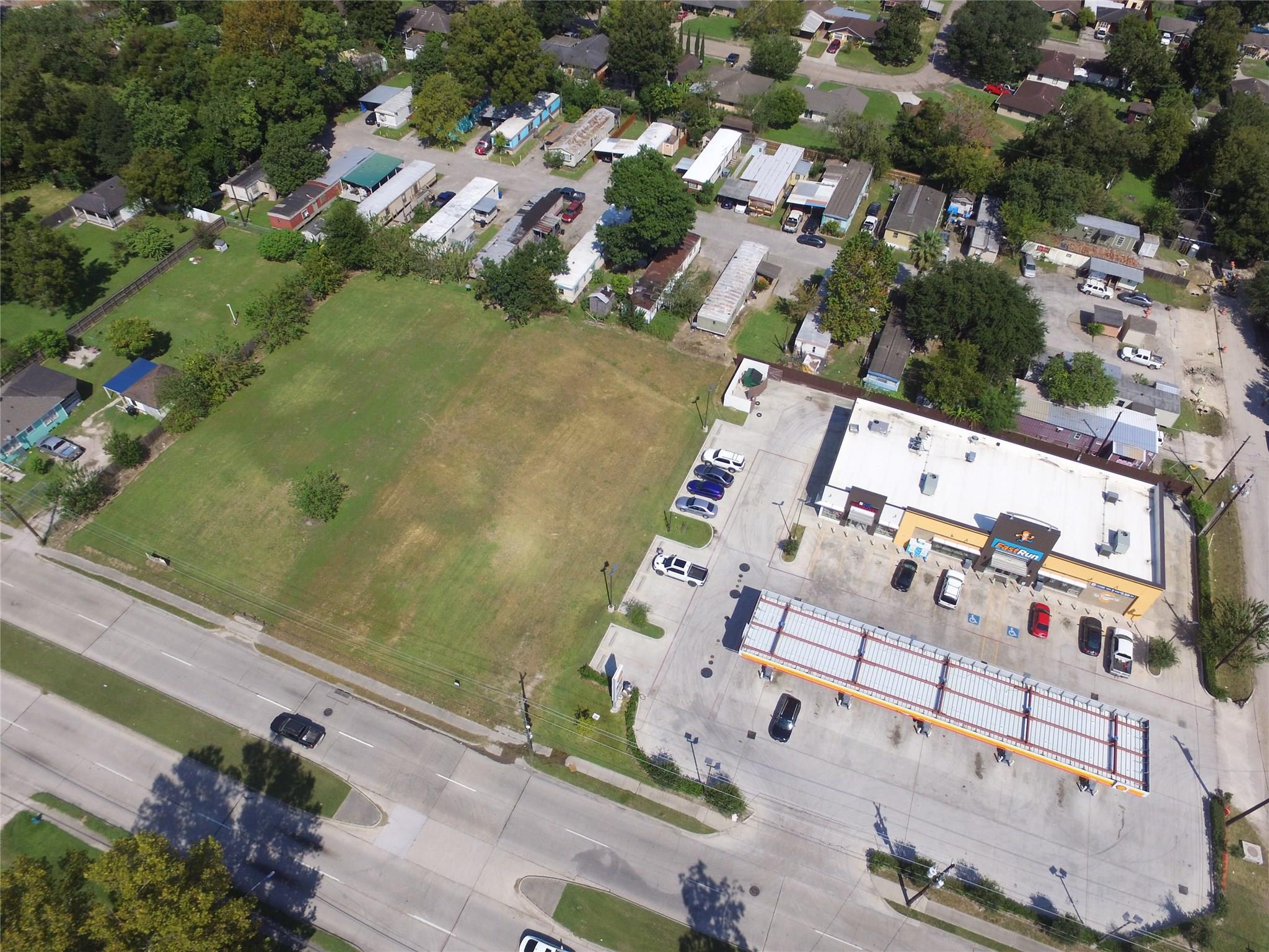 711 E Parker Road Property Photo - Houston, TX real estate listing