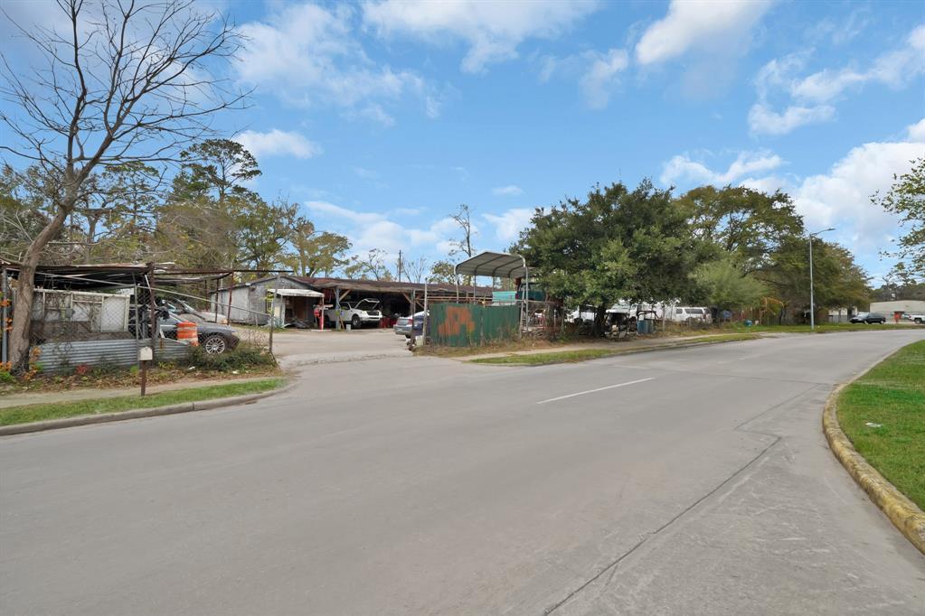 10211 Irvington Boulevard Property Photo - Houston, TX real estate listing