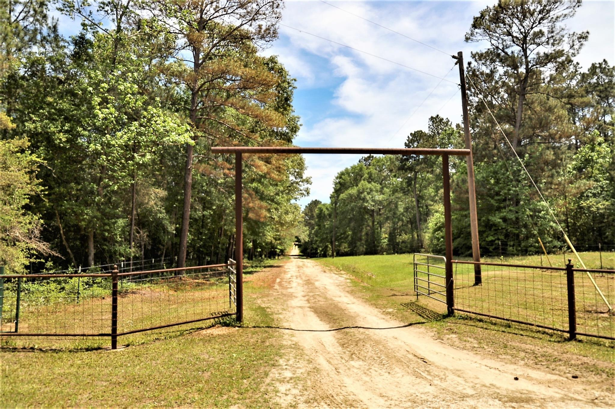336 L and S Road Property Photo - Corrigan, TX real estate listing