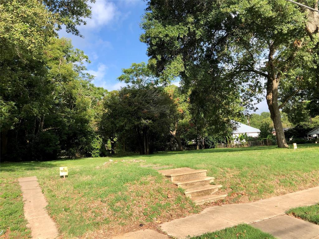 203 Ross Street Property Photo