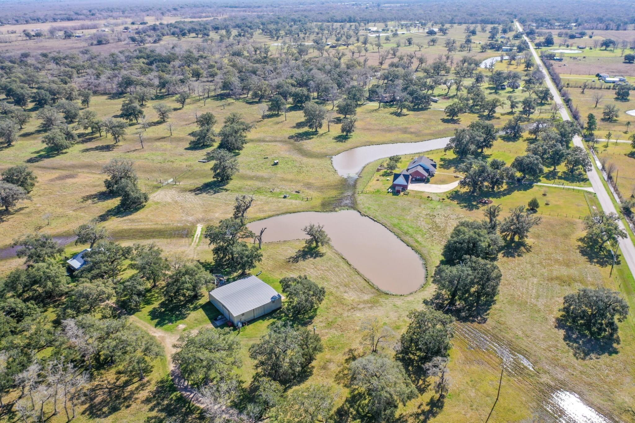 8513 County Road 628 Property Photo - Brazoria, TX real estate listing