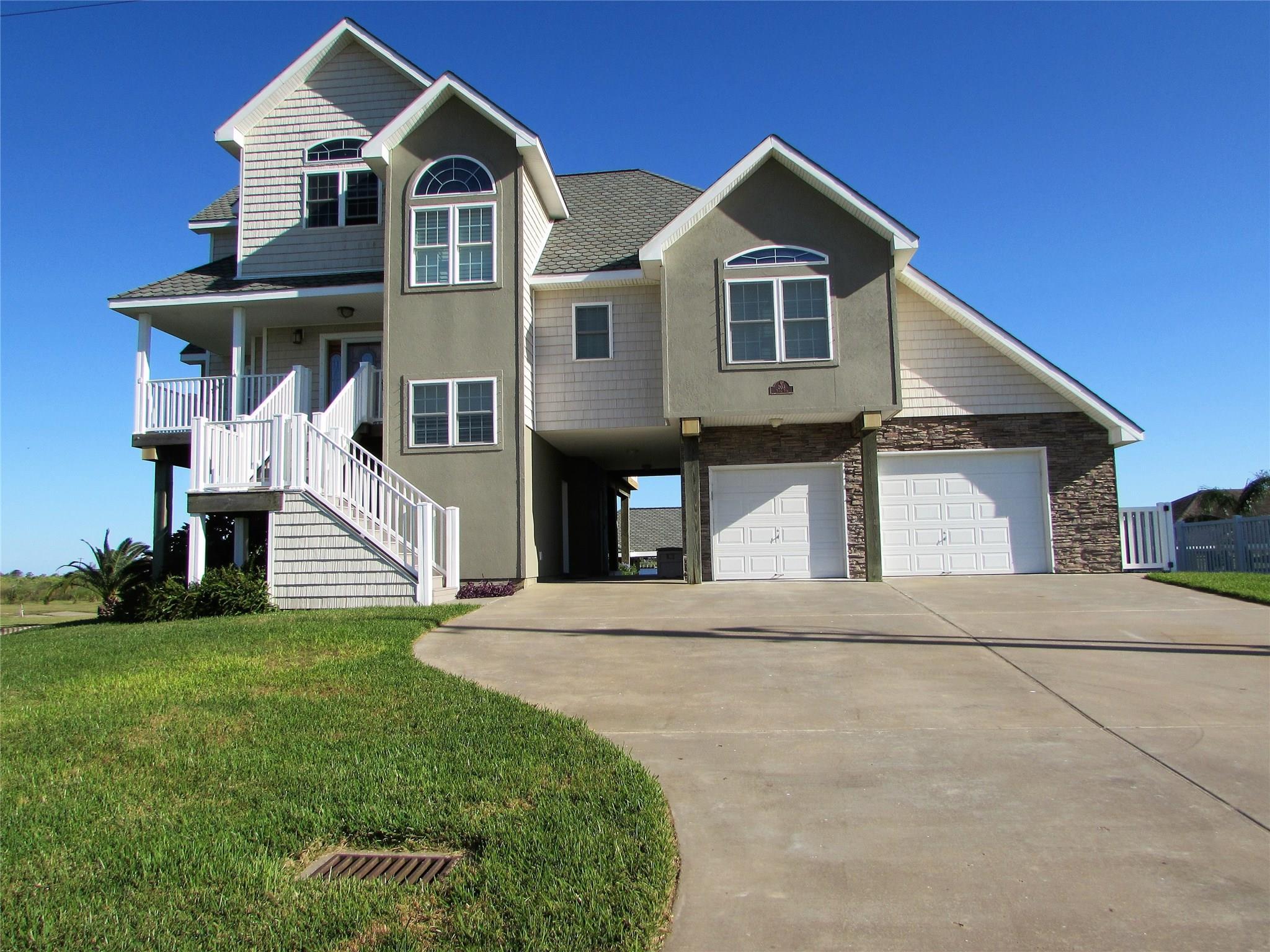 203 Tuna Run Road Property Photo - Freeport, TX real estate listing