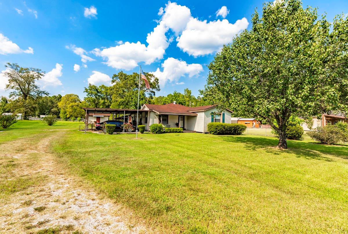 2443 Old Evadale Road Property Photo - Silsbee, TX real estate listing