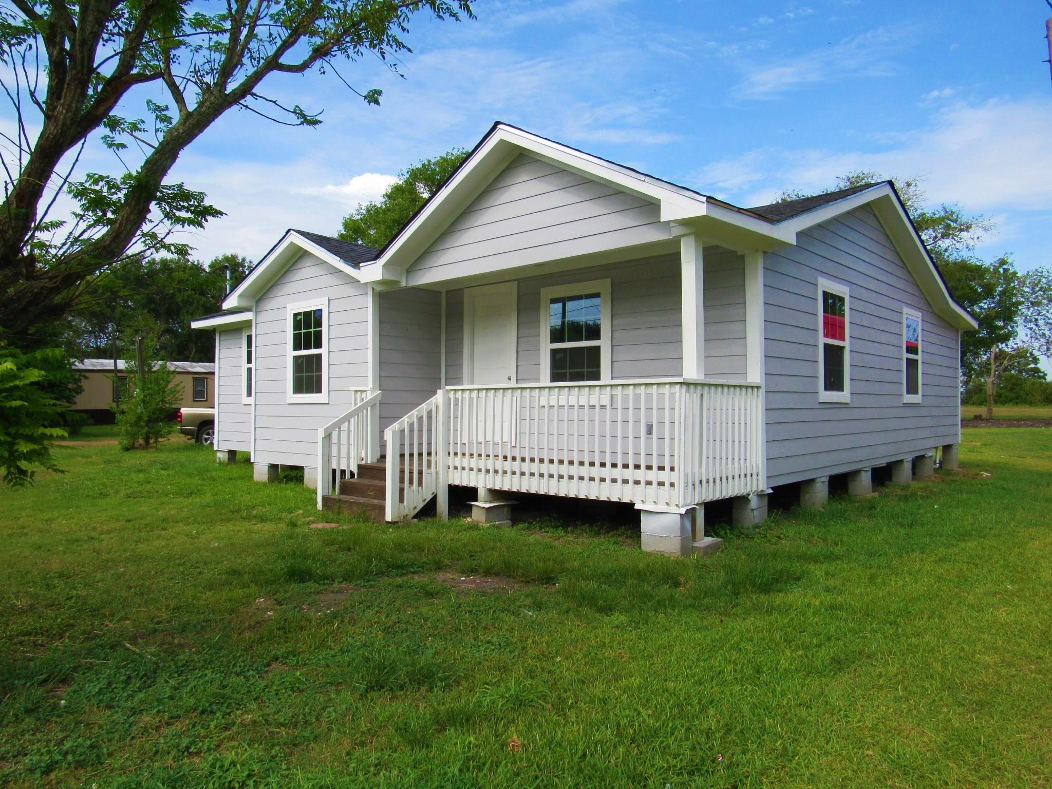 7607 Habermacher Street Property Photo - Hungerford, TX real estate listing