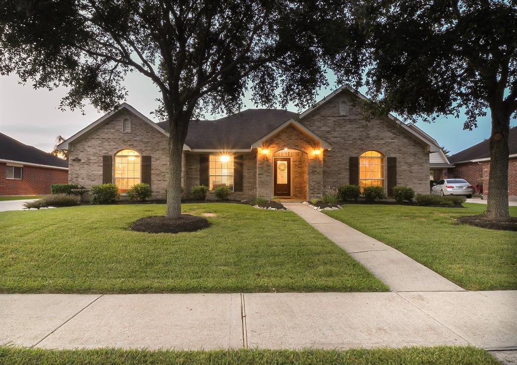 2226 Meadows Boulevard, League City, TX 77573 - League City, TX real estate listing
