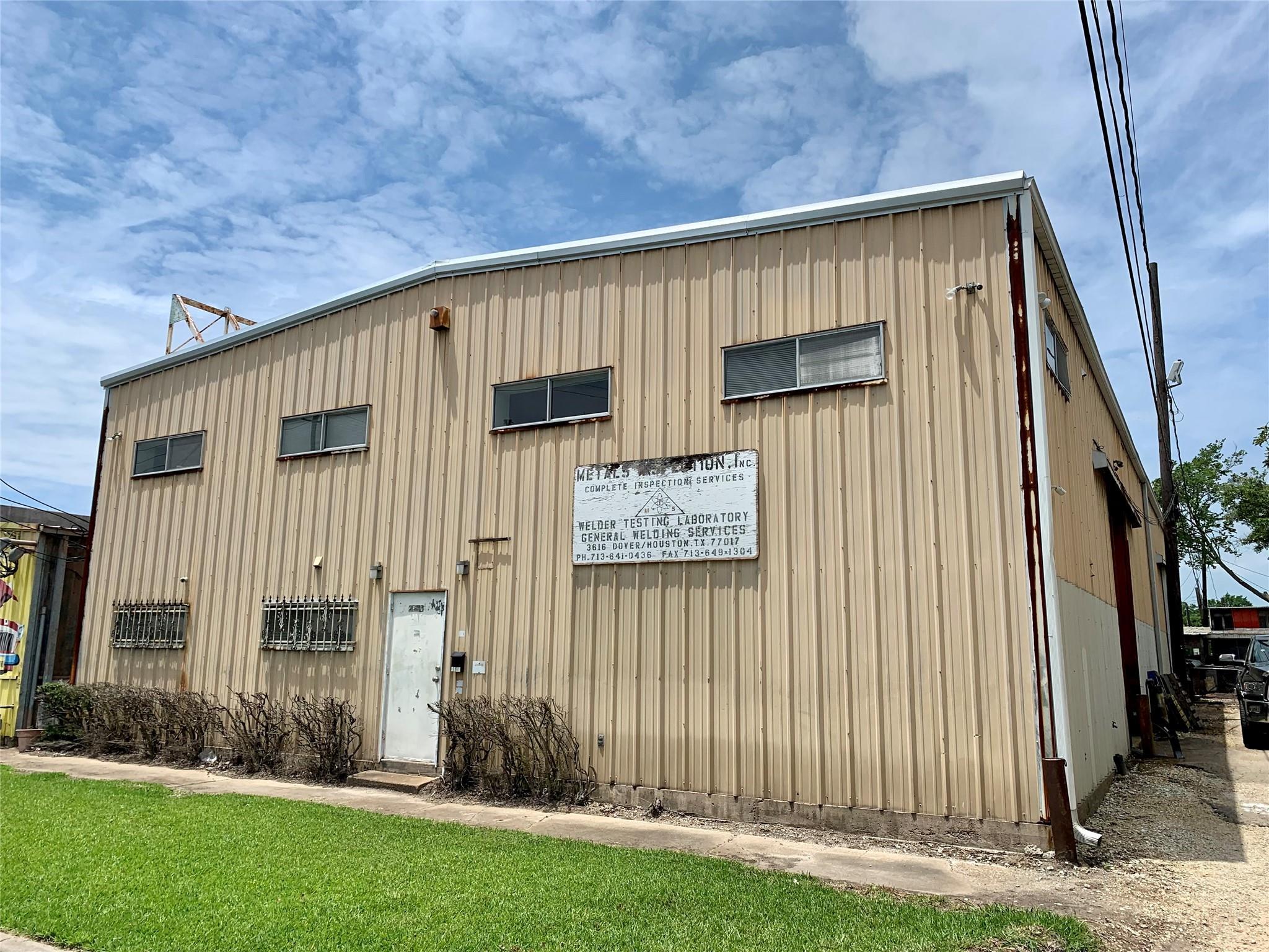 3616 Dover Street Property Photo
