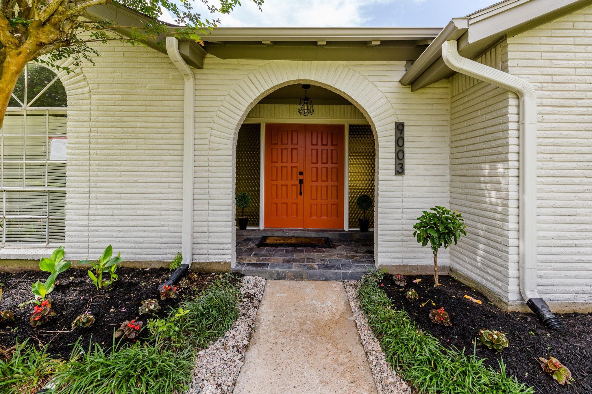 9003 Sandstone Street Property Photo