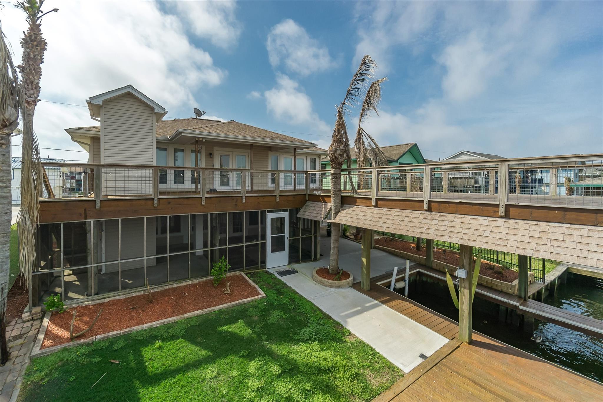 736 Marlin Street Property Photo - Bayou Vista, TX real estate listing