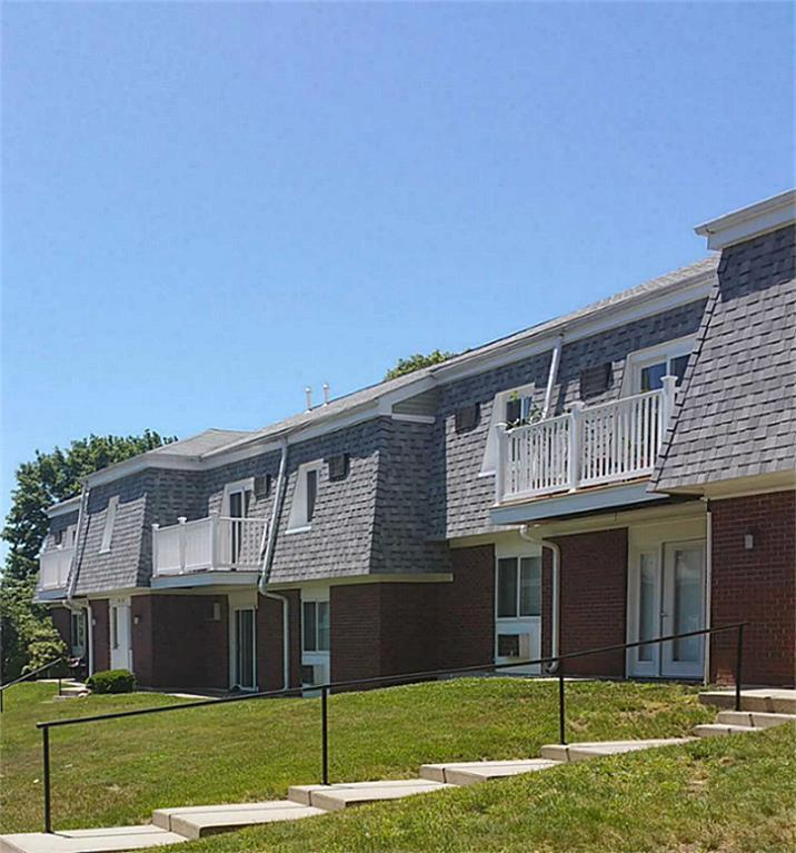1A Rolling Green Drive Property Photo - Amherst, MA real estate listing