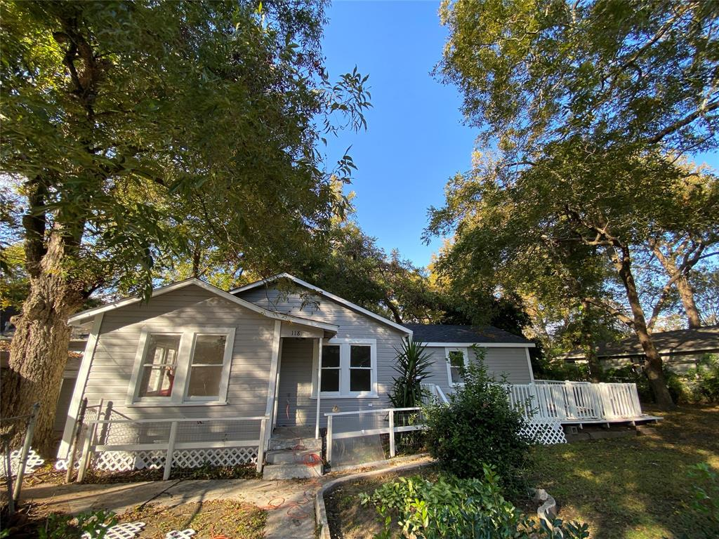 118 W Orchard Street Property Photo - Clute, TX real estate listing