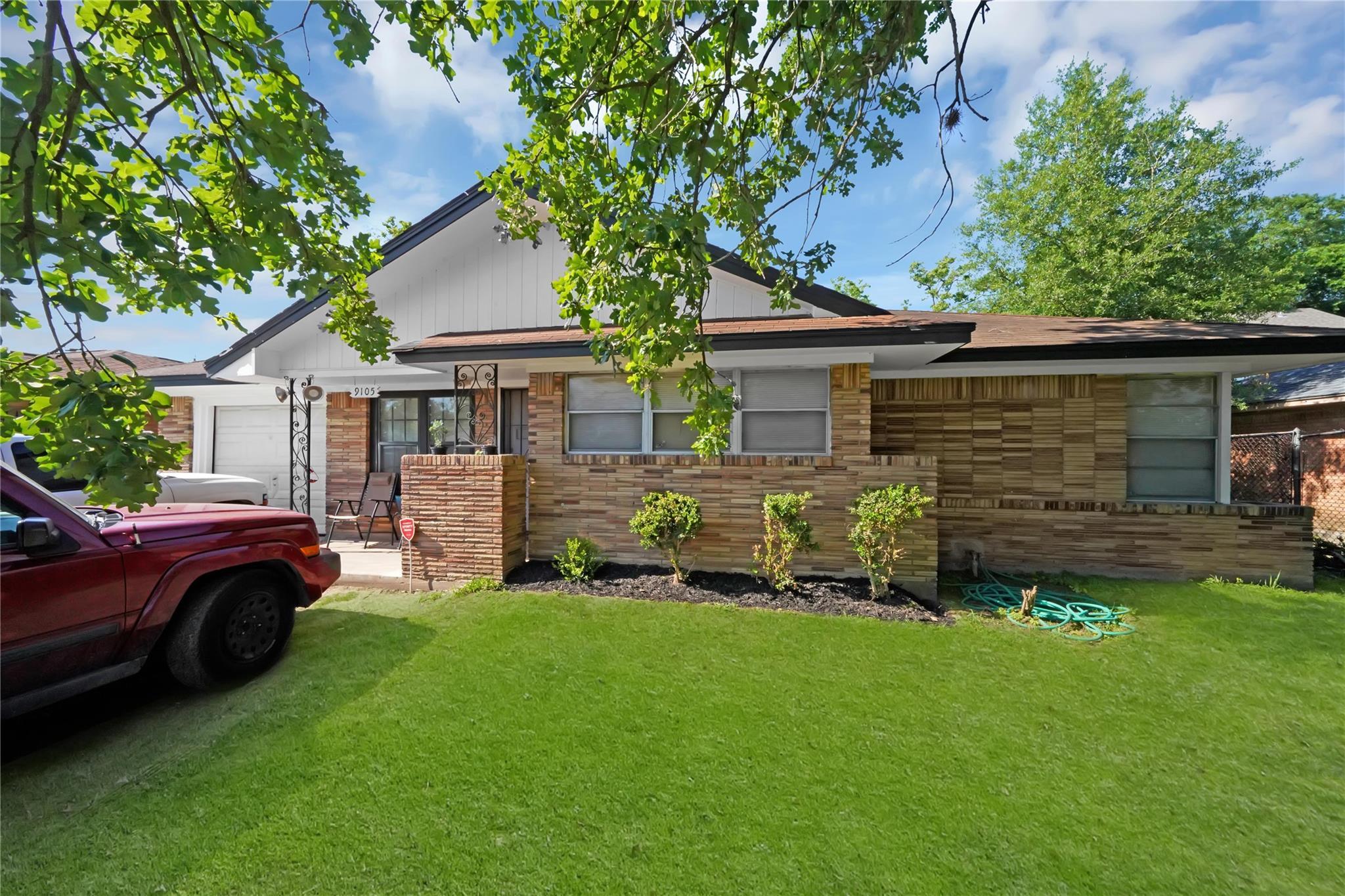 9105 Chatwood Drive Property Photo